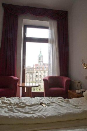 Hotel Bayernland: вид из номера во внутренний двор