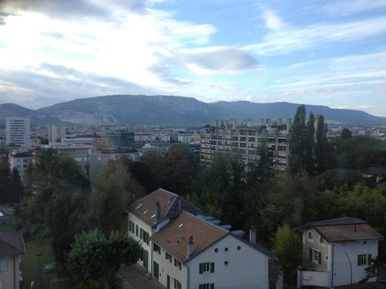 Hotel InterContinental Geneve: Mountains View