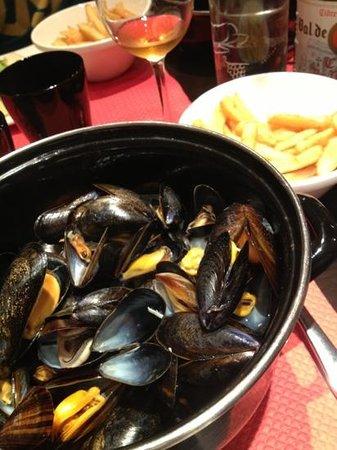Café des Halles : moules et frites