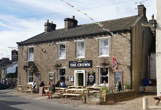 The Crown Hotel: The Crown - Hawes