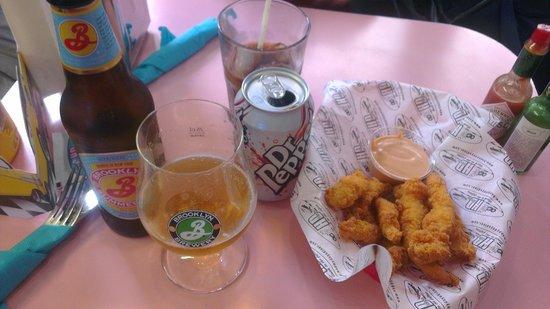 HD Diner Saint-Michel: Chicken Fingers (Aiguillettes de poulet panés accompagnés de sauce HD's)
