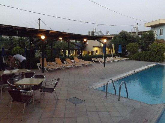Argiro Village: piscina e dintorni