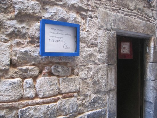 Jewish Barcelona Urban Cultours : Ancient synagogue in Barcelona