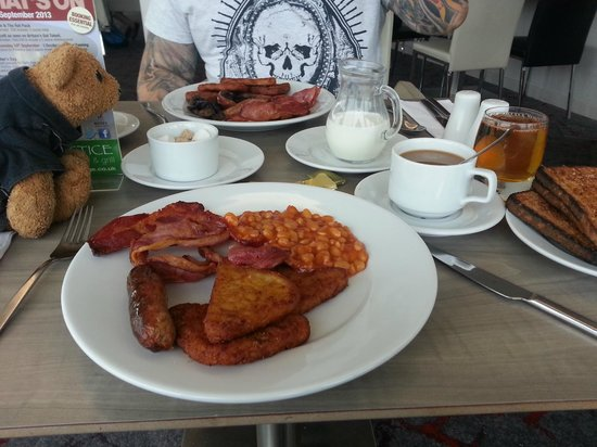 Holiday Inn Salisbury Stonehenge: Yummy breakfast