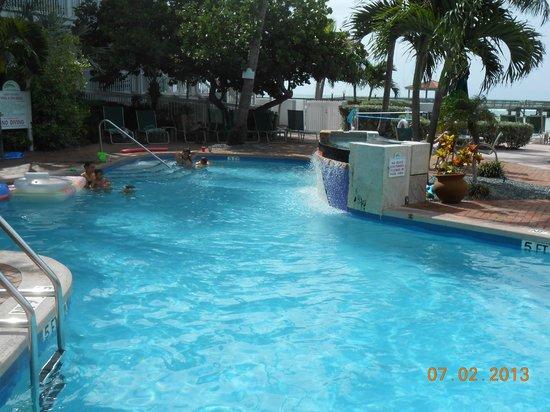 Coconut Beach Resort: Pool