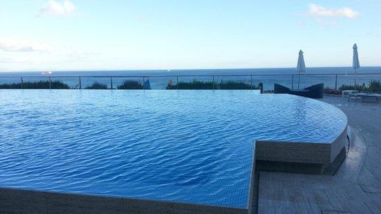 Hotel Cascais Miragem: Piscina