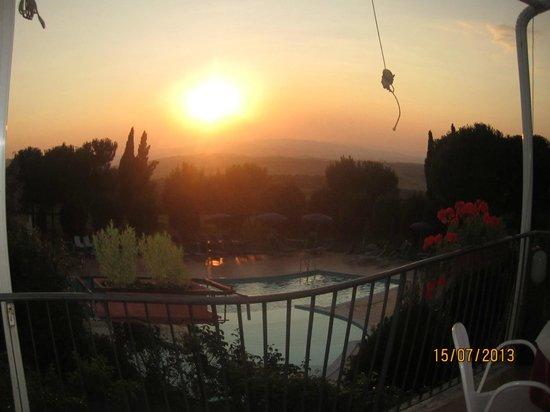 Hotel Palazzuolo : vista piscina dalla terrazza del ristorante