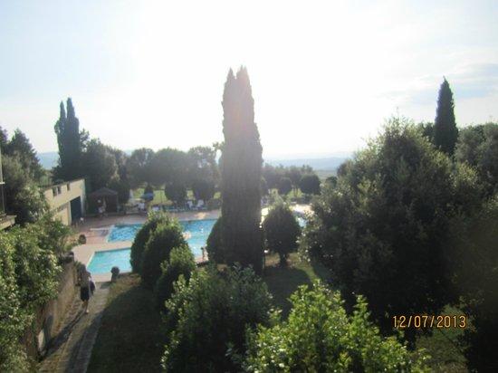 Hotel Palazzuolo: vista piscina dalla camera