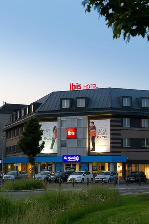 Ibis Hotel Aalst Centrum: Exterior + free parking