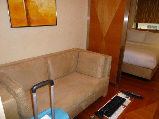 CHI Residences 314: Divano