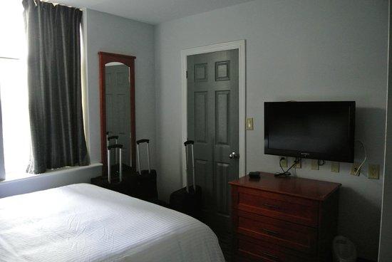 Isabella Hotel and Suites: alles notwendige vorhanden