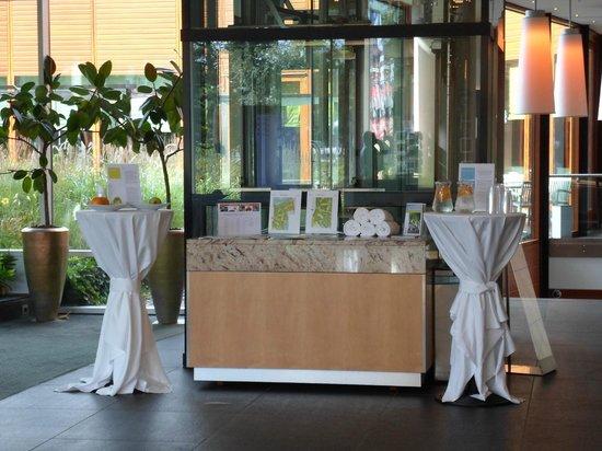 Steigenberger Airport Hotel Amsterdam: Hotelhalle