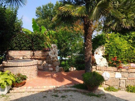Casale Gregoriano: Zona piscina