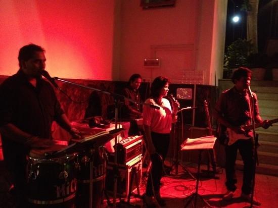 CHANNA : Live Band