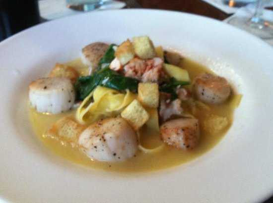 The Mews Restaurant & Cafe : Pappardelle with Scallops