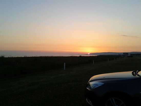 Kings Green Caravan Park: beautifull sunset