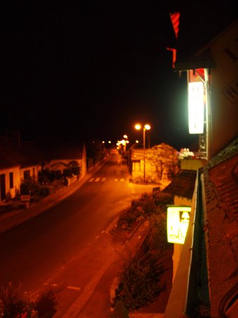 Hotel Le Saint Florent : View from room onto main road