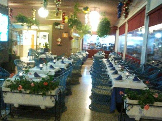 Restaurante Miramar Yumbo : Inside