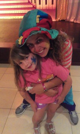 Mar Hotels Paradise Club & Spa: The gorgeous Ariel with my little girl xx