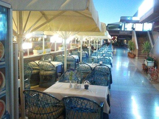 Restaurante Miramar Yumbo : Terrace Outside