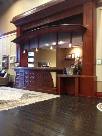 West Inn & Suites Carlsbad: front desk
