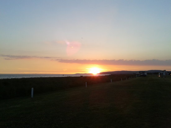 Kings Green Caravan Park: Wonderful July sunset