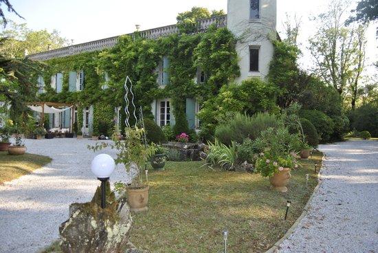 Domaine de la Vivarié : une vue de la maison