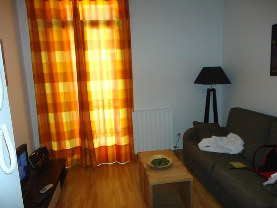 MH Apartments Liceo: living