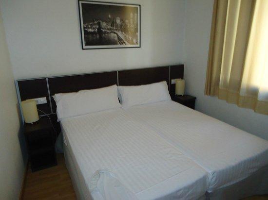 MH Apartments Liceo: habitación principal