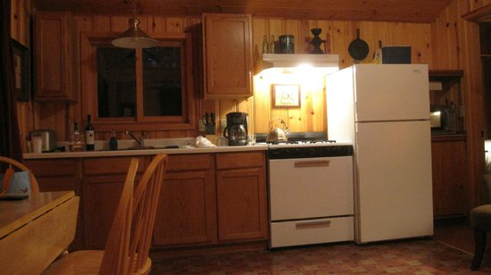 Lake Creek Lodge: Our cabin