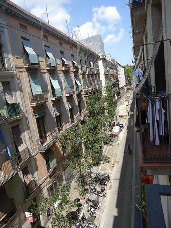 MH Apartments Liceo : vista del balcón