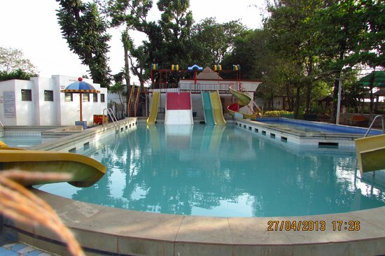 Shahapur, Indien: swimming pool