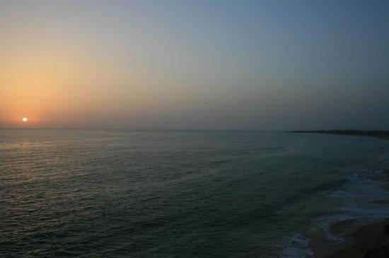 Camping Pinar San José: Puesta de sol y playa de Zahora desde el Faro de Trafalgar