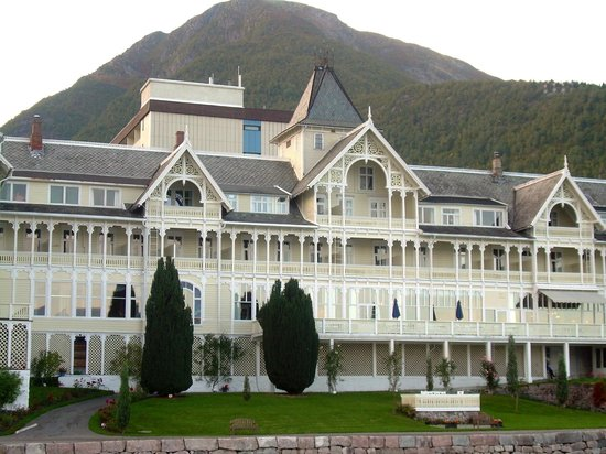 Kviknes Hotel: Grand Old Hotel