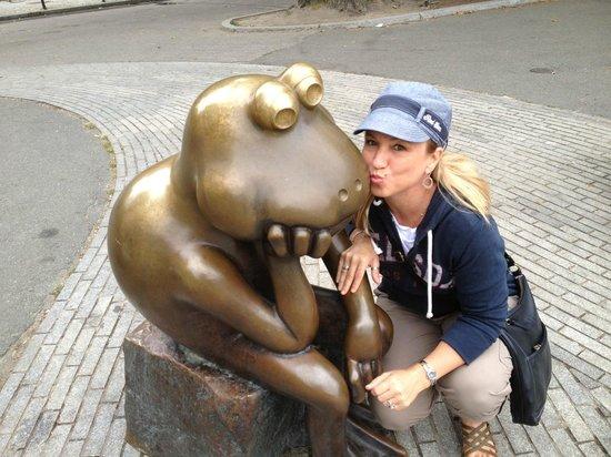 Boston Public Garden: Favorite frog at the Frog Pond