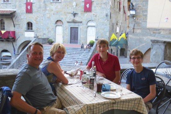La Loggetta - La Locanda nel Loggiato: Family dinner