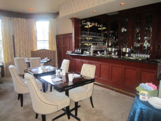 The Beaufort Inn: dining room