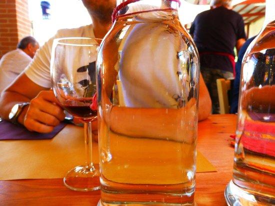 Agriturismo Il Gualdo di Sotto: servizio a tavola