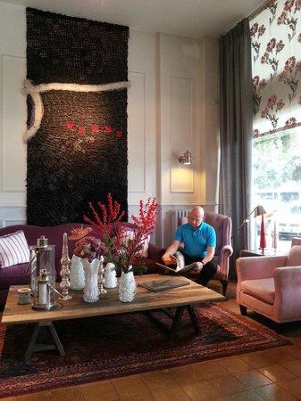 Hotel Trieste: RECEPCIÓN - ÁREA DE ESTAR