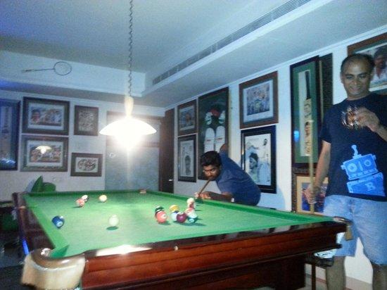 Blue Nile: sports bar