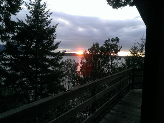 Sunset Marine Resort : sunset from The Treehouse