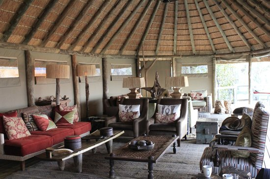 Wilderness Safaris Banoka Bush Camp: Lobby area