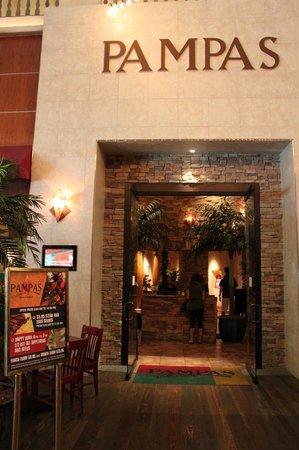 Pampas Brazilian Grille: 餐廳外觀