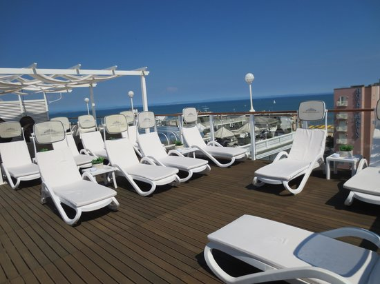 Hotel Italia Palace : oberes Sonnendeck