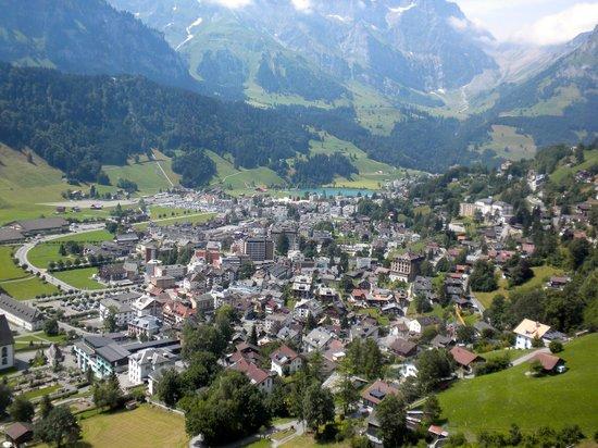 Sporthotel Eienwaldli: Village of Engelberg from the Brunni cablecar