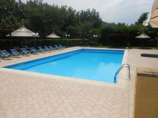 Relais Poggio del Sole: piscina
