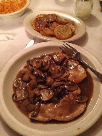 Stango's Restaurant: Chicken marsala and potatoes