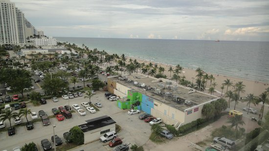 Courtyard Fort Lauderdale Beach: View from room