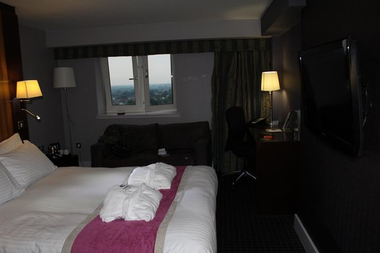 """DoubleTree by Hilton Bristol South - Cadbury House: """"King"""" """"Deluxe"""" Room"""