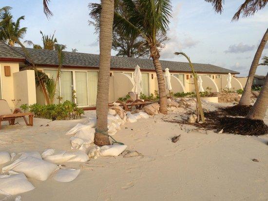 Centara Ras Fushi Resort & Spa Maldives: la schiera delle beach deluxe